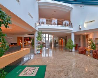 Hotel Meerane - Меране - Лоббі