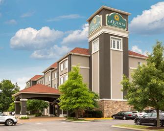 La Quinta Inn & Suites by Wyndham Smyrna TN - Nashville - Smyrna - Gebouw