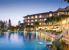 The Imperial River House Resort, Chiang Rai - Chiang Rai - Piscina