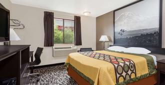 Super 8 by Wyndham Bremerton - Bremerton - Bedroom