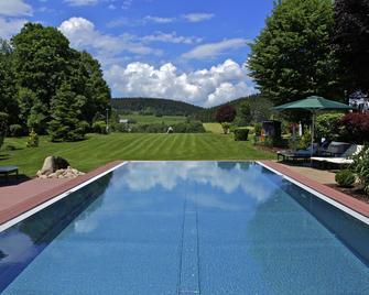 Parkhotel Flora - Schluchsee - Pool