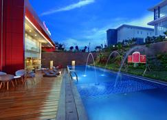 favehotel Banjarbaru - Banjarmasin - Banjarbaru - Piscina
