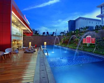 favehotel Banjarbaru - Banjarmasin - Banjarbaru - Zwembad