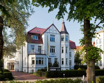 Ringhotel Strandblick - Kuehlungsborn - Building