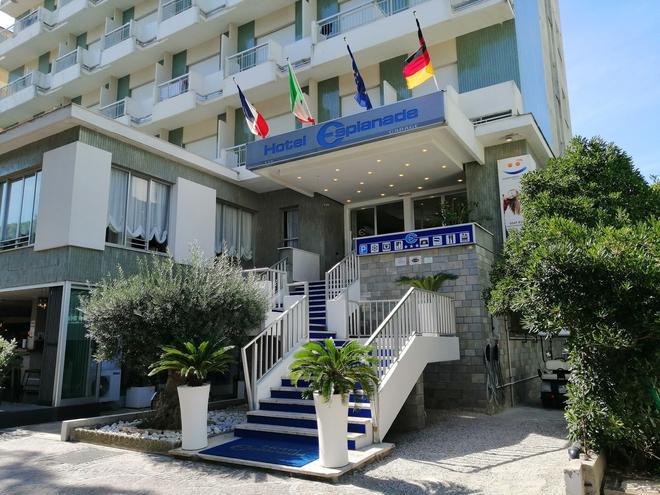 Hotel Esplanade - Cesenatico - Building