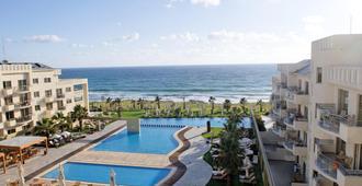 Capital Coast Resort And Spa - פאפוס - בריכה
