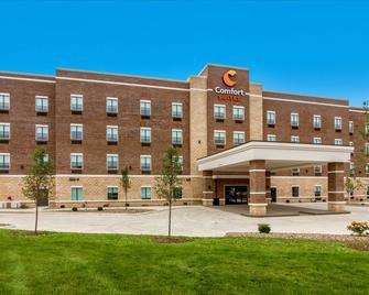 Comfort Suites - Wooster - Building