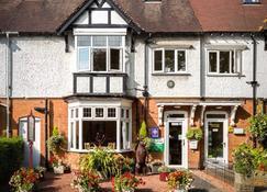 Ashgrove House - Guest house - Stratford-upon-Avon - Gebäude