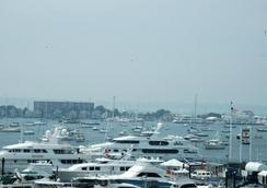 Newport Bay Club and Hotel - Newport - Outdoor view