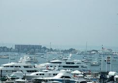 Newport Bay Club and Hotel - Newport - Cảnh ngoài trời