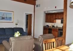 Newport Bay Club and Hotel - Newport - Bedroom