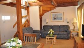 Newport Bay Club and Hotel - Ньюпорт - Гостиная