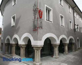 Hostel Situla - Rudolfswerth - Gebäude