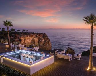 提沃利卡烏愛盧酒店 - 卡武埃魯 - Praia do Carvoeiro - 酒吧