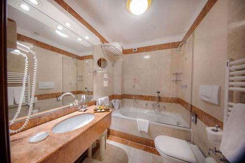 Hotel Colombina - Venice - Bathroom