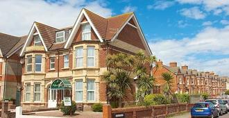Palm Court - Weymouth - Building