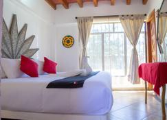 Capital O Valle Dorado - Valle de Bravo - Bedroom