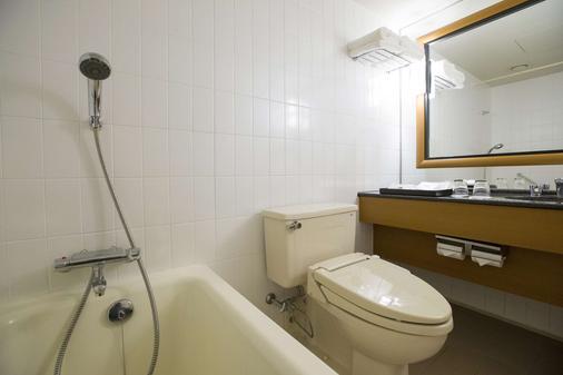 Nagoya Tokyu Hotel - Nagoya - Bathroom