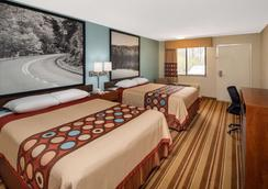 Super 8 Burlington NC - Burlington - Bedroom