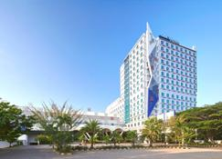 Four Points by Sheraton Makassar - Макассар - Building