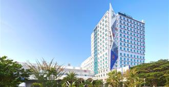Four Points by Sheraton Makassar - Makassar - Building