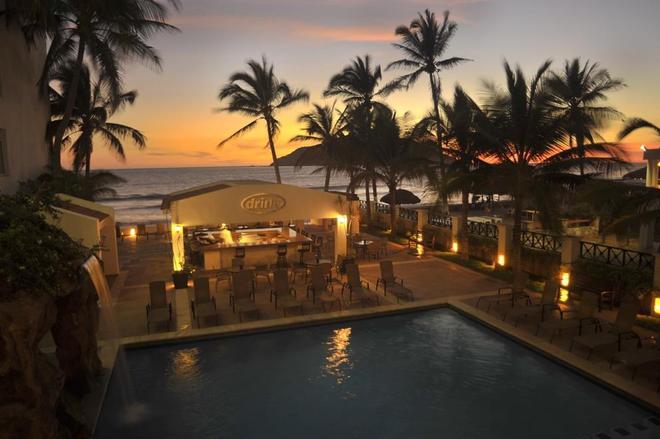 Best Western Hotel Posada Freeman Zona Dorada - Μαζατλάν - Πισίνα