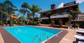 Hotel Camelot - Punta del Este - Piscina