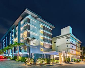 Ratana Hotel Rassada (Sha Plus+) - Ratsada - Building