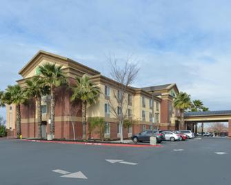 Holiday Inn Express Woodland - Woodland - Building