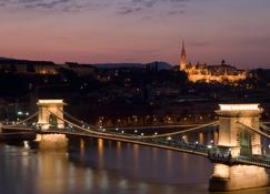 Sofitel Budapest Chain Bridge - Budapeşte - Dış görünüm