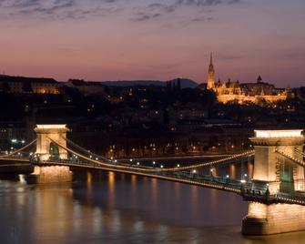 Sofitel Budapest Chain Bridge - Budapest - Outdoors view