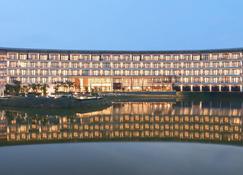 Hotel Santika Premiere Bandara - Palembang - Palembang - Building