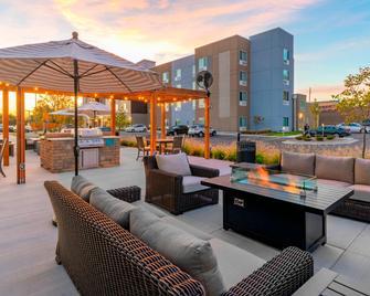 Fairfield Inn & Suites by Marriott Leavenworth - Leavenworth - Патіо