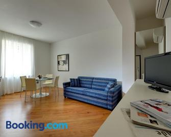 My House Apartments Cremona - Cremona - Living room