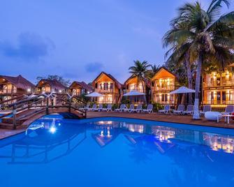 Hotel Isla del Encanto - Barú - Piscina
