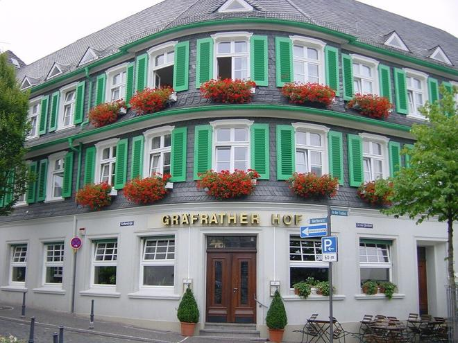 Hotel Gräfrather Hof - Solingen - Building