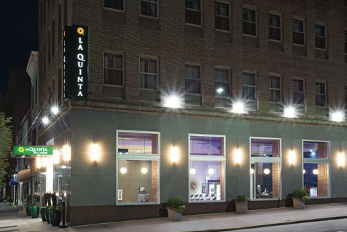 拉金塔巴爾的摩市中心旅館及套房 - 巴爾的摩 - 建築
