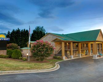 Days Inn by Wyndham, Conover-Hickory - Conover - Building