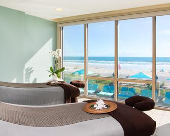 One Ocean Resort & Spa - Atlantic Beach - Wohnzimmer
