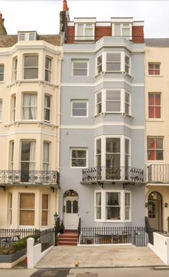 Marina By The Sea B&B - Brighton - Building
