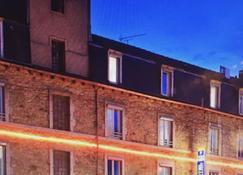 Kyriad Rodez - Rodez - Building