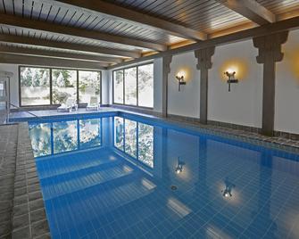 Hotel Hohenried Im Rosengarten - Freudenstadt - Pool