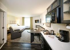 Candlewood Suites Sioux Falls - Sioux Falls - Kitchen