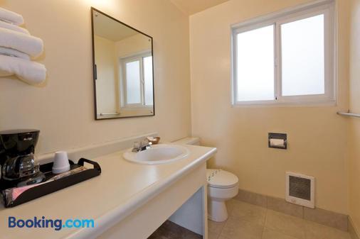 Riviera Inn Motel - Port Angeles - Bathroom