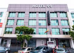 Hotel 99 Bandar Puteri Puchong - Puchong - Building
