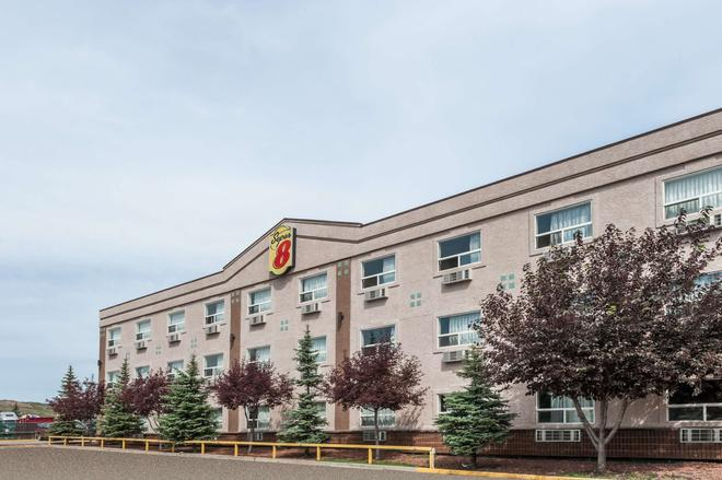 Super 8 Edmonton West - Edmonton - Building