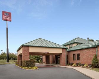 Comfort Suites Parkersburg South - Mineral Wells - Building