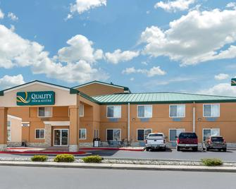 Quality Inn and Suites Limon - Limon - Gebäude