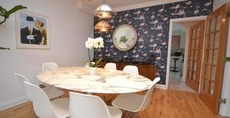 Bartholomew House - Havant - Dining room