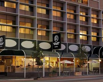 Adelaide Riviera Hotel - Adelaide - Building